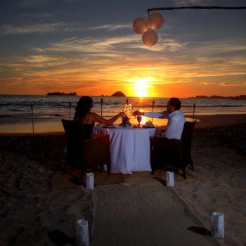 RomanticDinner05 -200x200 HIR Ixtapa